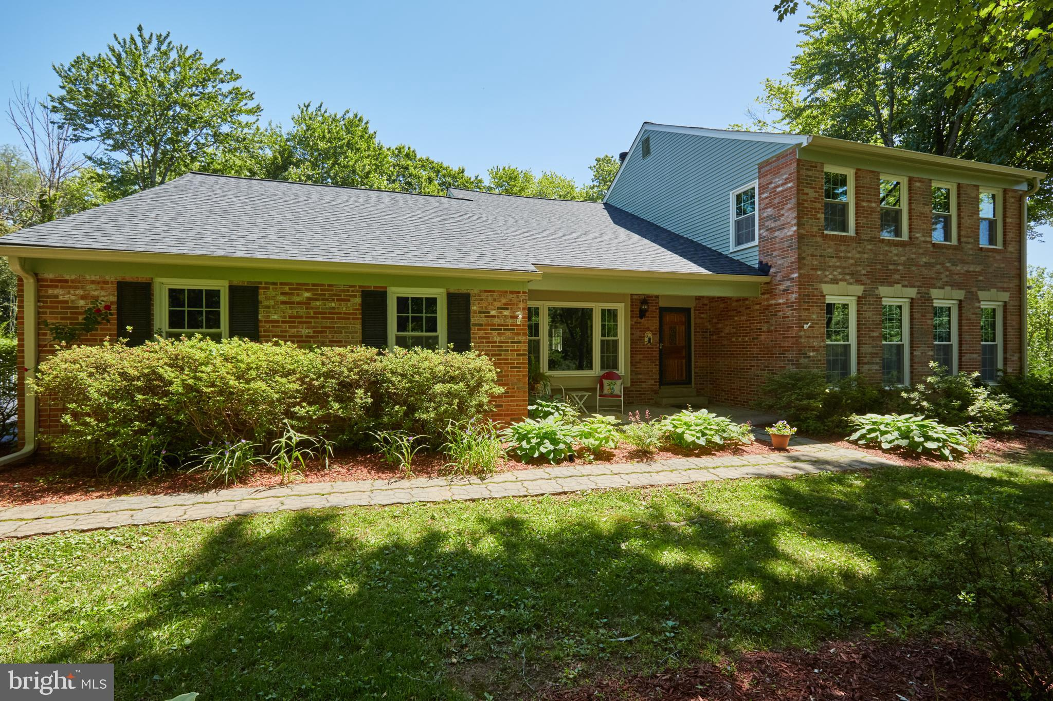 18105 HOLLINGSWORTH DRIVE, ROCKVILLE, MD 20855