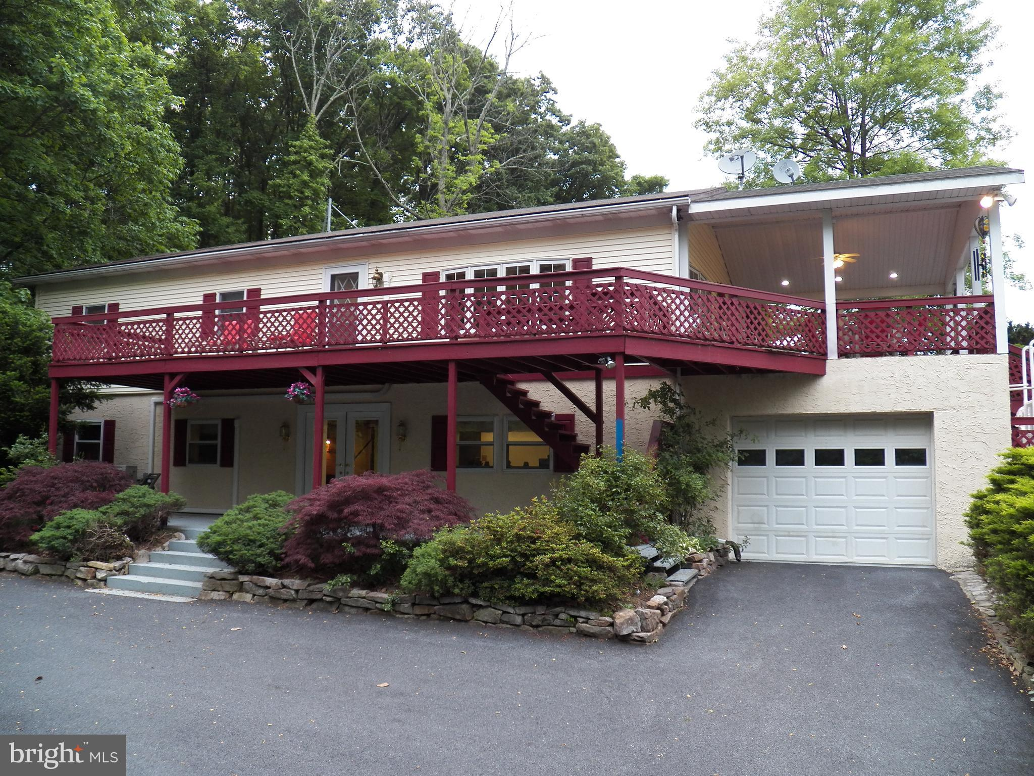 379 S FRONT STREET, SCHUYLKILL HAVEN, PA 17972