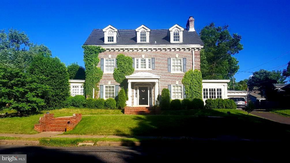 855 BERKELEY AVENUE, TRENTON, NJ 08618