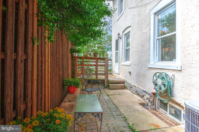 220 Sheas Terrace Ardmore, PA 19003