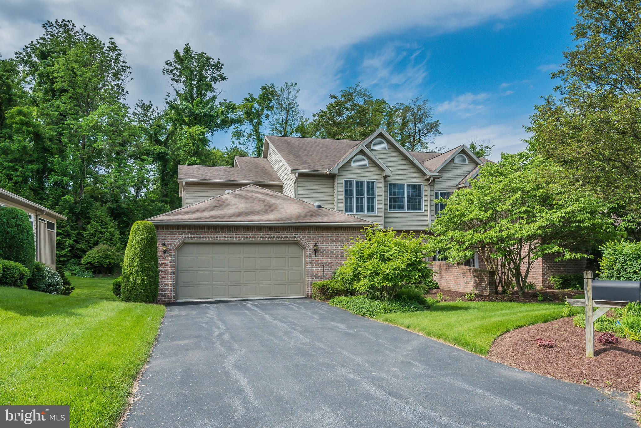 14 CRAIN CIRCLE, LEMOYNE, PA 17043