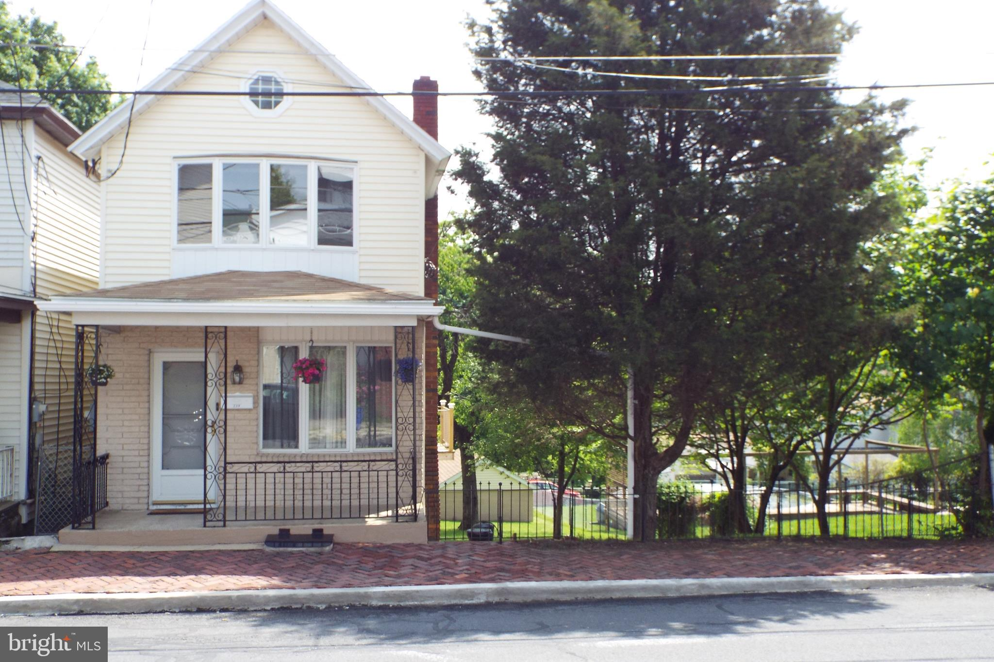 239 CHERRY STREET, SAINT CLAIR, PA 17970