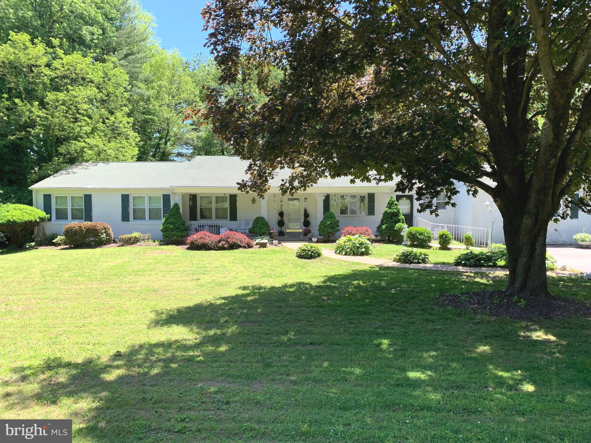 6 TODMORDEN DRIVE, ROSE VALLEY, PA 19086