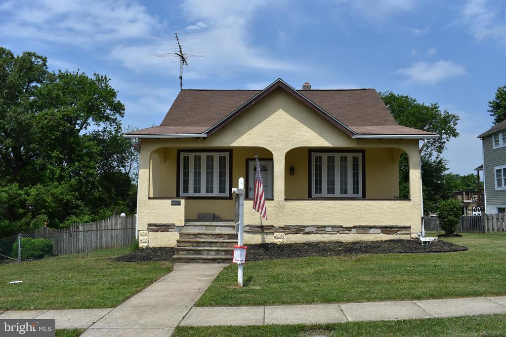SELLER VERY MOTIVATED TO SELL!!! TOTALLY RENOVATED & WAITING FOR YOU! 4-5BR/2BA - NEW ROOF, NEW HVAC, UPDATED ELECTRIC, NEW BATHROOMS, UPDATED KITCHEN, NEW APPLIANCES, NEW WINDOWS, REFINISHED ORIGINAL HARDWOOD FLOORS THROUGHOUT!  3 BEDROOMS (ONE TO INCLUDE A WALK IN CLOSET) & FULL BATH ON MAIN FLOOR, BEDROOMS & FULL BATH ON UPPER LEVEL TO INCLUDE WALK IN SHOWER, ENJOY DAYS/EVENINGS ON THE FRONT PORCH, FLAT YARD w/STONE WALL AROUND, ADDITIONAL LOT CONVEYED AS IS  TO INCLUDE  PRIVATE DRIVEWAY AND INGROUND POOL AREA. MUST SEE! SELLER WILL ENTERTAIN ALL REASONABLE OFFERS!  MAKE AN OFFER TODAY!!