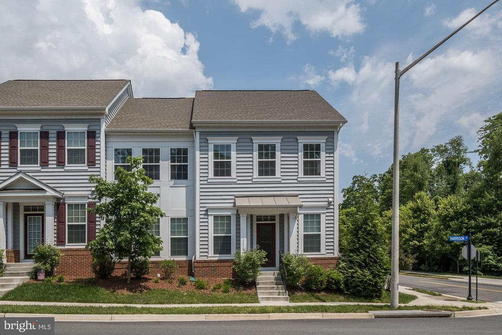 One of Alexandria 3 Bedroom Homes for Sale at 3570  HUNTLEY MANOR LANE
