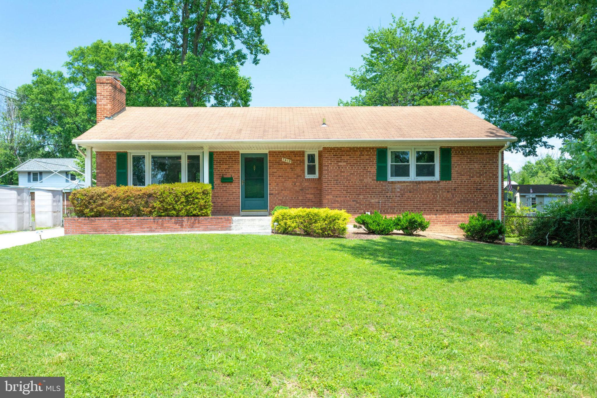 Beautifully-maintained 4 bedroom, 2.5 bath rambler features a gorgeous, updated gourmet kitchen with new cabinets and granite counters. Numerous upgrades including fresh paint throughout, updated baths, and  hardwood floors on the main level. Fourth bedroom and full bath on lower level along with spacious family/recreation room. Stunning landscaping in the spacious, flat yard as well as two storage sheds. Pool located in the neighborhood. Great commuter's location conveniently located off Braddock Rd and the Beltway, minutes from Interstate 95 and 395 into Crystal City, Washington DC, Reagan National Airport. Rolling Road VRE close by. 17M metro bus steps away. Wonderful shopping nearby: Kings Parking Shopping Center, Bradlick Shopping Center, Tysons Corner, Springfield Mall, and more!
