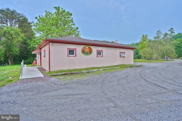 717 HILLTOP RD, MARY D, PA 17952