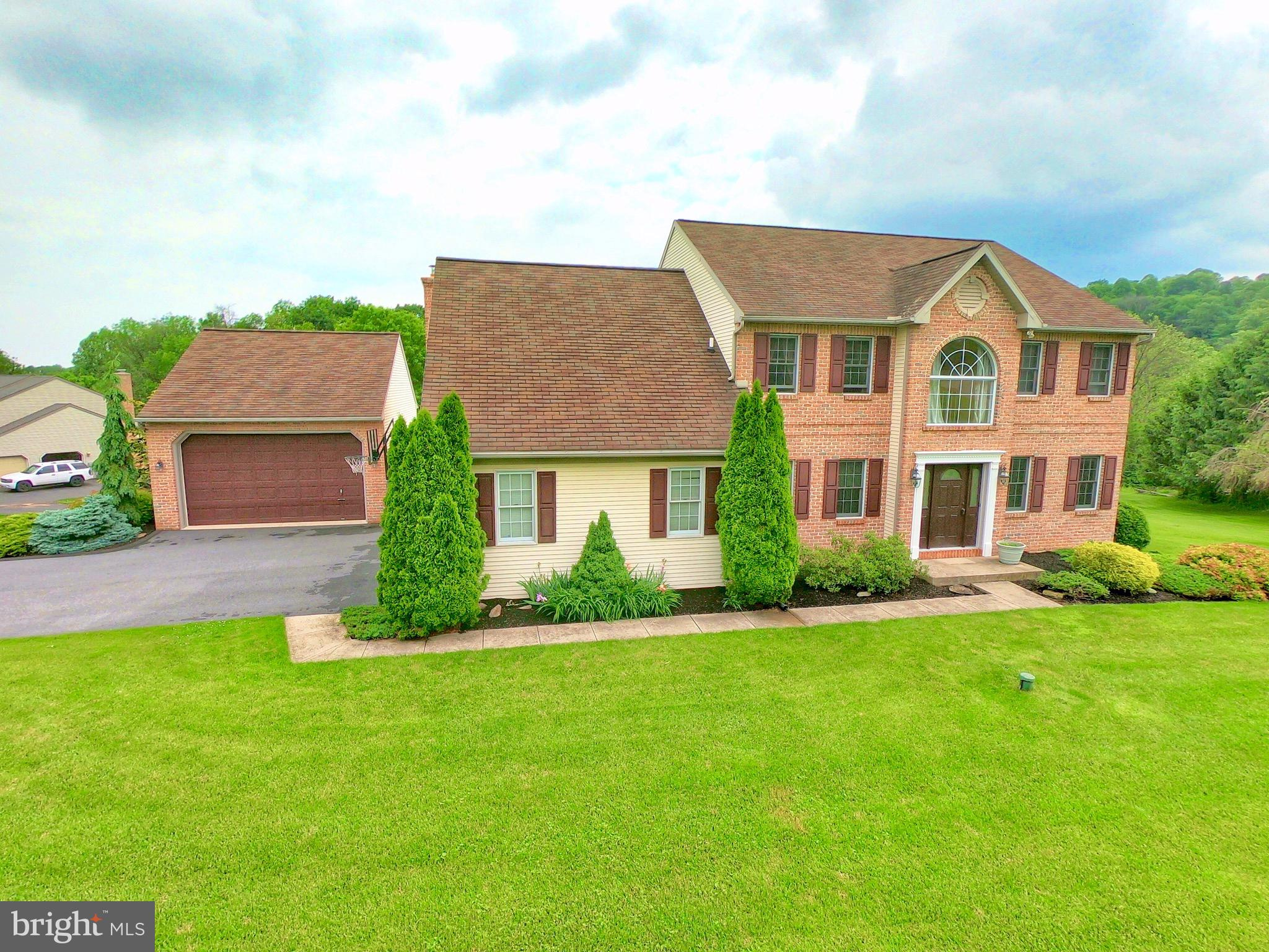 3 FOREST VIEW DRIVE, WERNERSVILLE, PA 19565