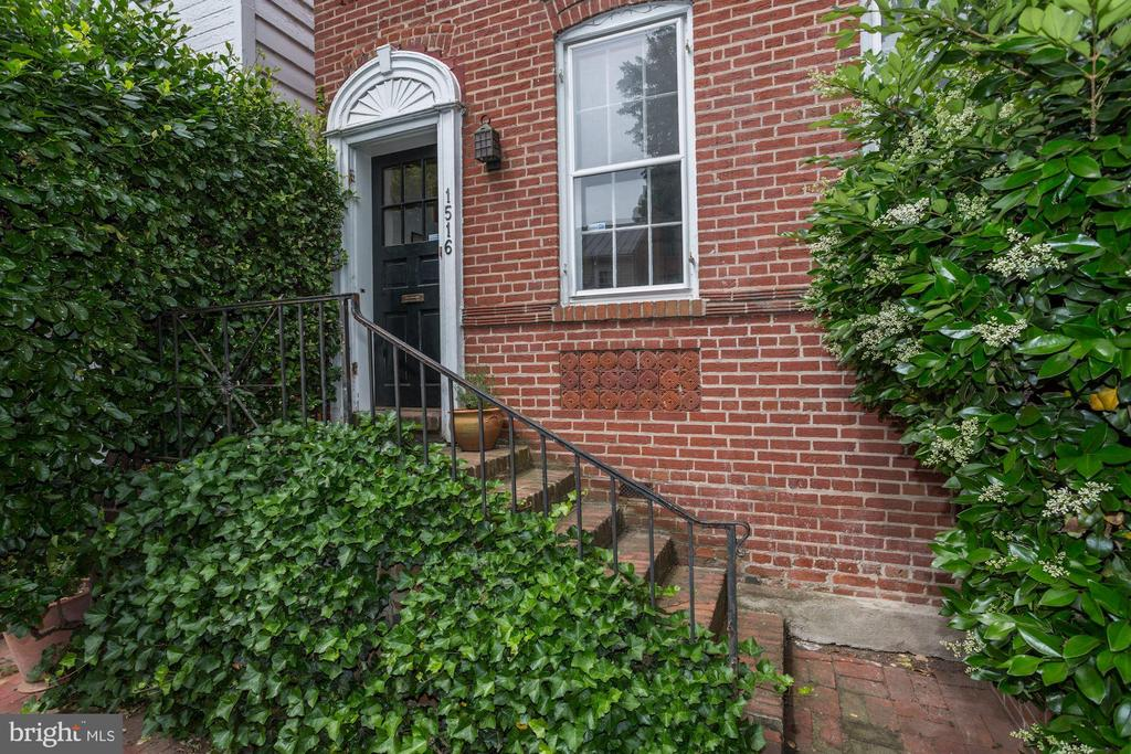 NEW PRICE! This home offers a rare opportunity to put your mark on a historic home. Featuring extra-wide living space, great natural light, high ceilings and a deep, tiered garden.  Located in Georgetown's East Village just steps from Rose Park and close to shops, restaurants and Dupont Circle metro. Estate sold As-Is.