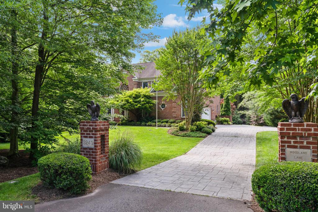 3249  WOODLAND LANE, Alexandria, Virginia
