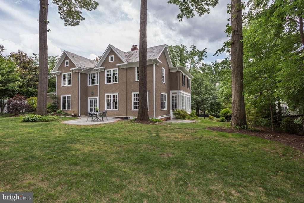 23 W Irving St, Chevy Chase, MD 20815
