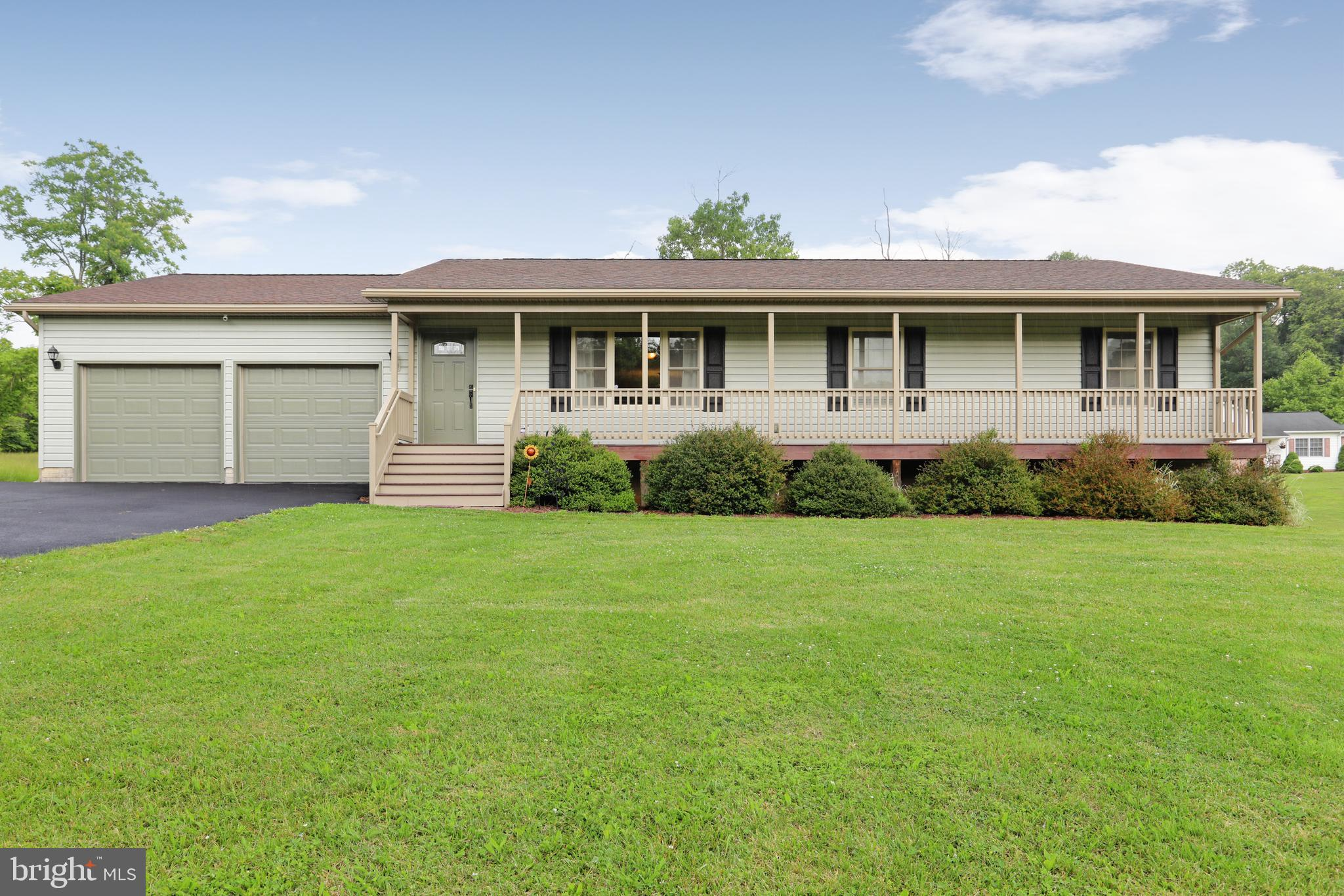 1113 NESTLE QUARRY, FALLING WATERS, WV 25419