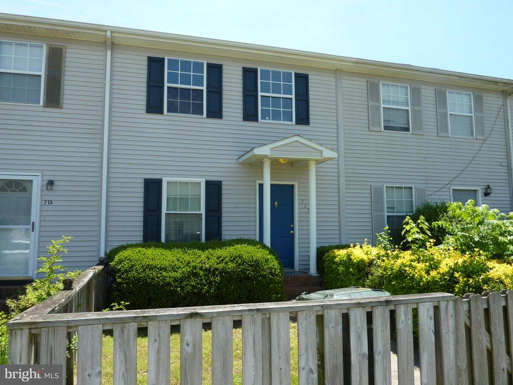 Attractive 3 bedroom, 2.5 bath townhouse in convenient location makes a for a good investment. Central air, all appliances, rear deck, shed and off street parking in back. Currently leased month to month to long term tenant for $990/month.  Tenant pays all utilities.  HOA is inactive.