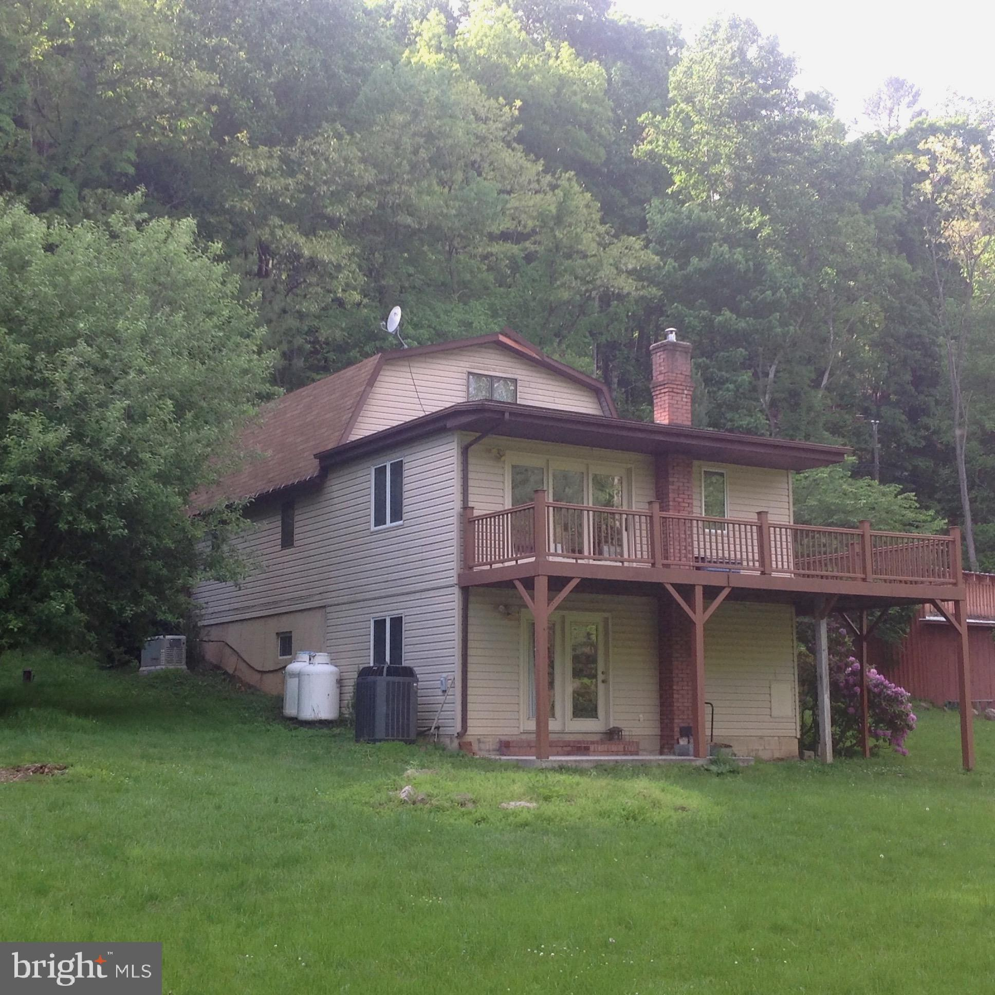 17969 SOUTH FORK ROAD, MILAM, WV 26838