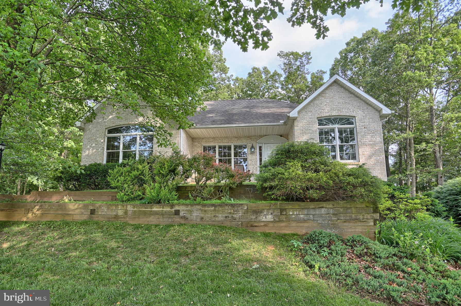 1265 CROWN POINT COURT, NEW FREEDOM, PA 17349