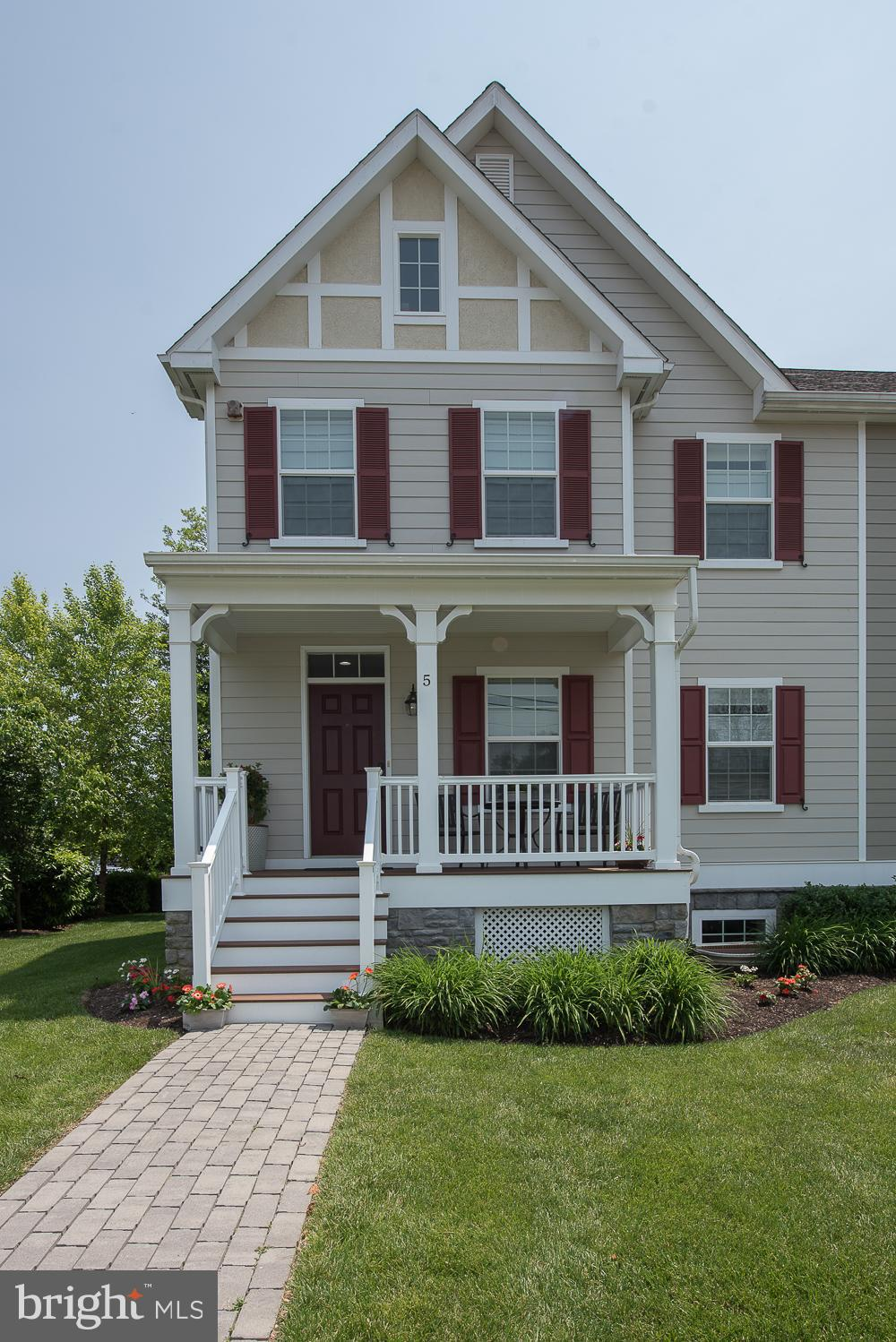 5 S WYOMING AVENUE, ARDMORE, PA 19003