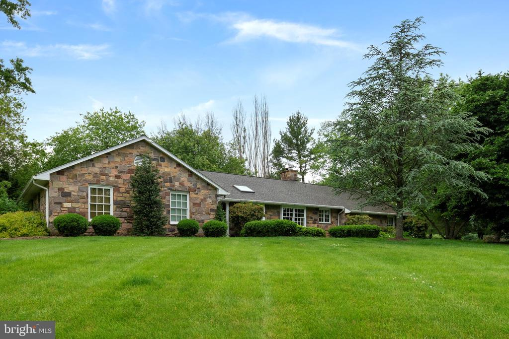 26 RED FOX DRIVE, NEW HOPE, PA 18938