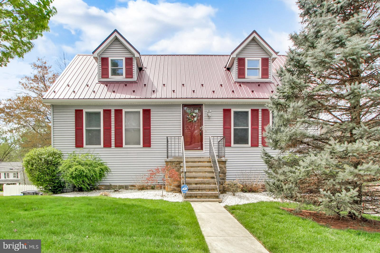 12 LIBERTY DRIVE, MOUNT HOLLY SPRINGS, PA 17065