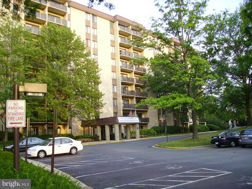 3100 S Manchester St #1129, Falls Church, VA 22044