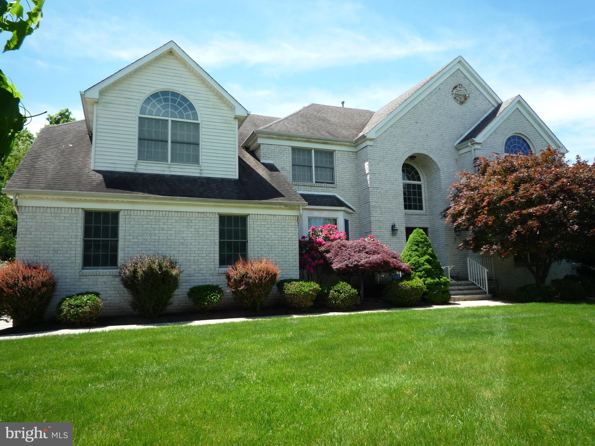 11 FORD COURT, BELLE MEAD, NJ 08502
