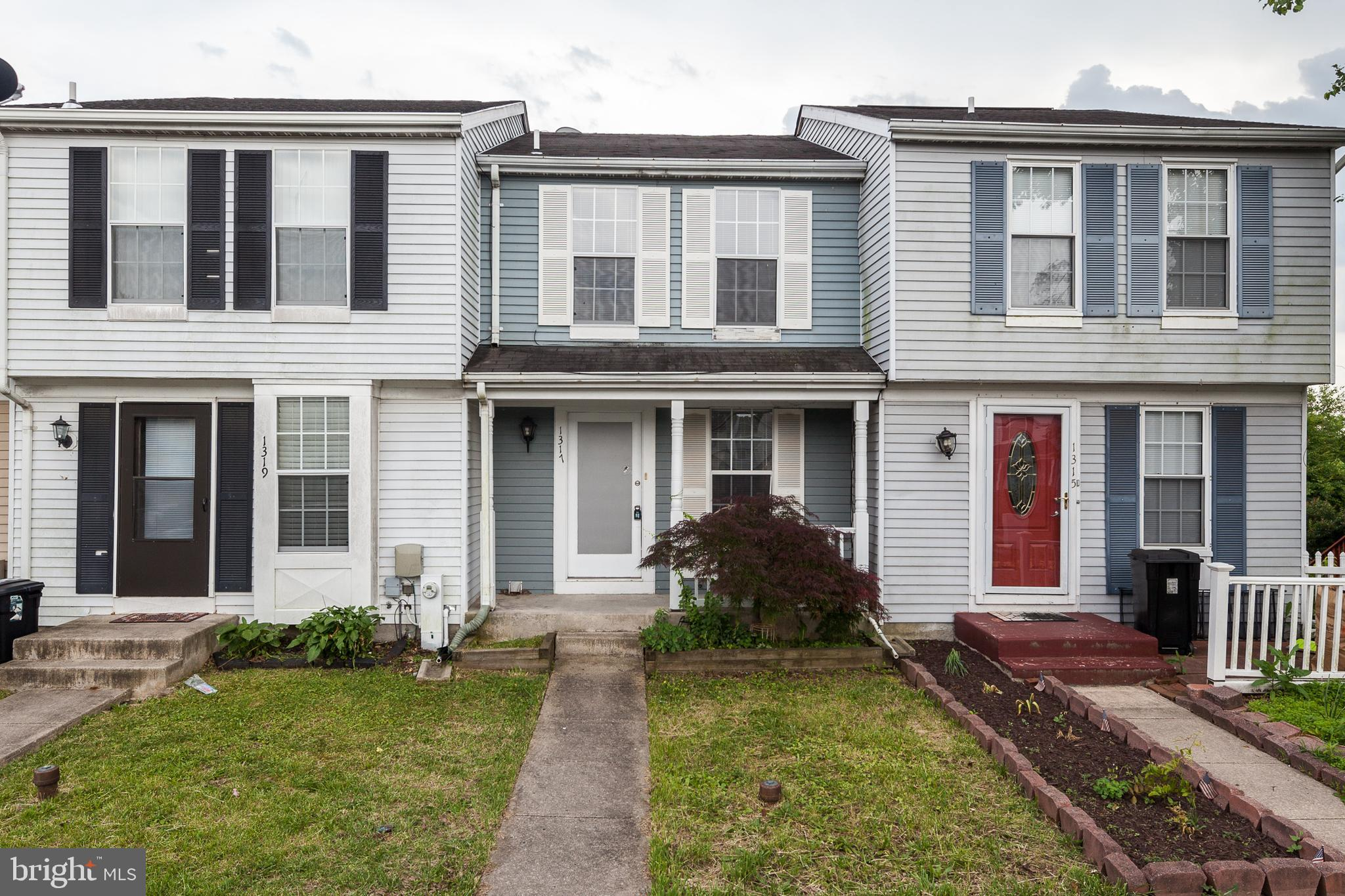 Two Bedroom Woodbridge Townhouse, Large rooms, 3 finished levels, large deck, spacious kitchen with new appliances. New roof, new flooring, and bathroom updates. Move in ready. Shows well. Close to 40 and 95.