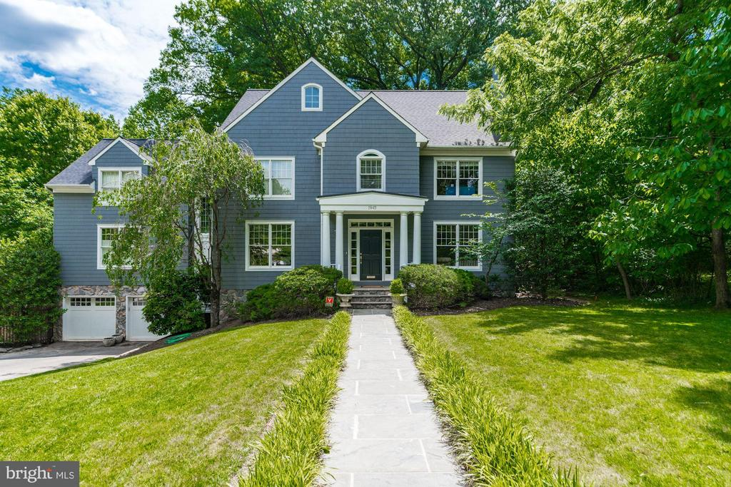 FANTASTIC fully updated Colonial in sought after Franklin Park! 5BRs, 4.5(x2)BAs beautifully sited on a spectacular 0.45 acre lot surrounded by lush mature trees. Enjoy the gorgeous vista from the large screen porch, back deck or flagstone patio. Flexible spaces throughout allow for customization of spaces to meet your needs and include the option of a main level bedroom. Fully remodeled gourmet kitchen boasting BlueStar range, QUALITY white inset cabinetry and  fabulous quartzite center island and counter seating. The separate breakfast room is surrounded by windows creating a light filled space and gorgeous views. Enjoy main level built-in speakers, 2 wood burning fireplaces, and built-ins in the family room.  Butlers pantry was added with a wine fridge and ice maker.  Spectacular master suite with gas fireplace and marble surround, designer light fixture, custom his/hers closets, beautifully remodeled marble BA with his and hers vanities. Bonus room/office attached to Master. Upgrades to note include a generator!, irrigation system, new security system, plantation shutters, new roof 2012 and hot water heater 2018.Re-stained and finished floors, brand new carpet, and freshly painted throughout make the home feel brand new! Truly turnkey, you won~t want to miss it! (Interior photos to be ready for posting Friday evening).