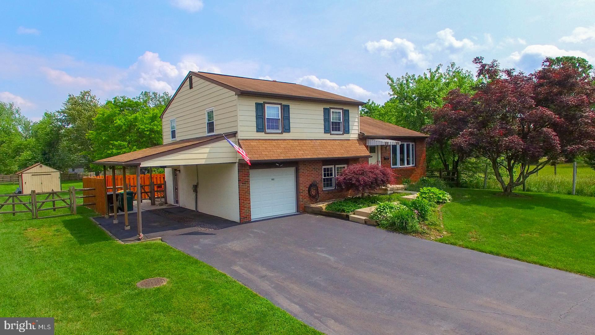102 MEADOWLAND DRIVE, RED HILL, PA 18076