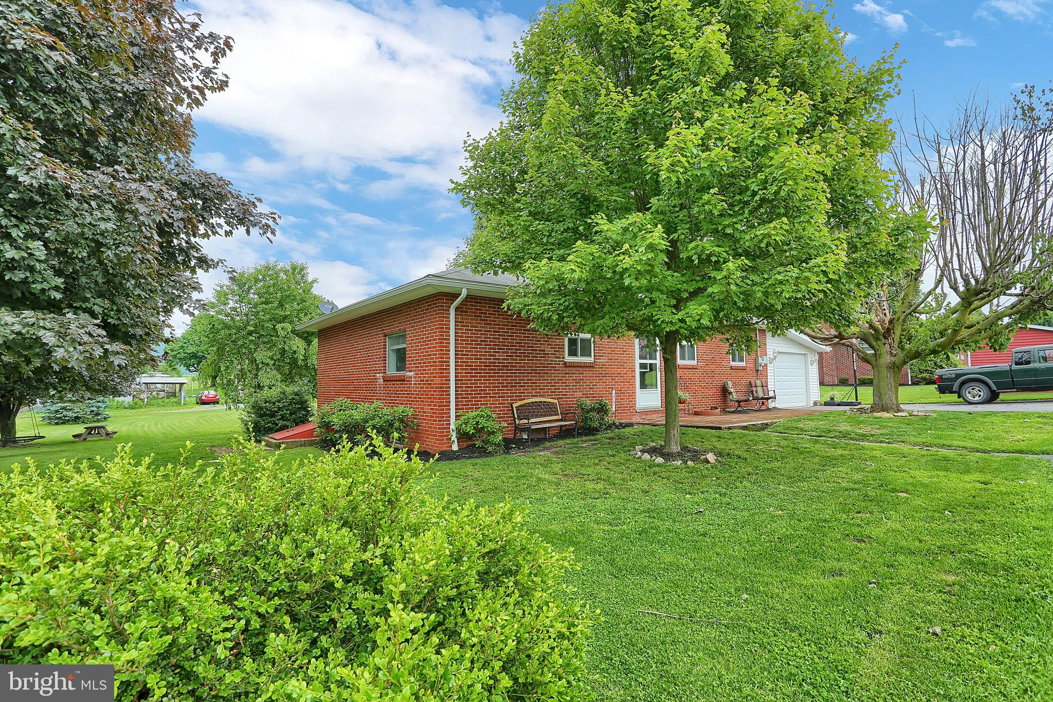 214 WILLOW STREET, VALLEY VIEW, PA 17983
