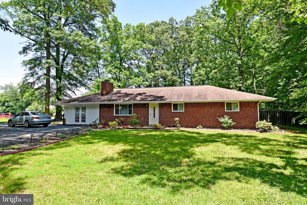 18301 CABIN ROAD, TRIANGLE, VA 22172