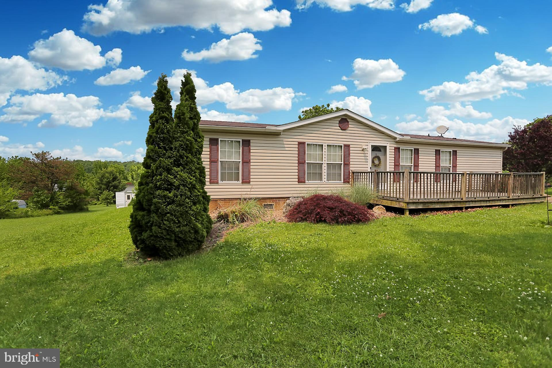 411 HILL ROAD, ROBESONIA, PA 19551