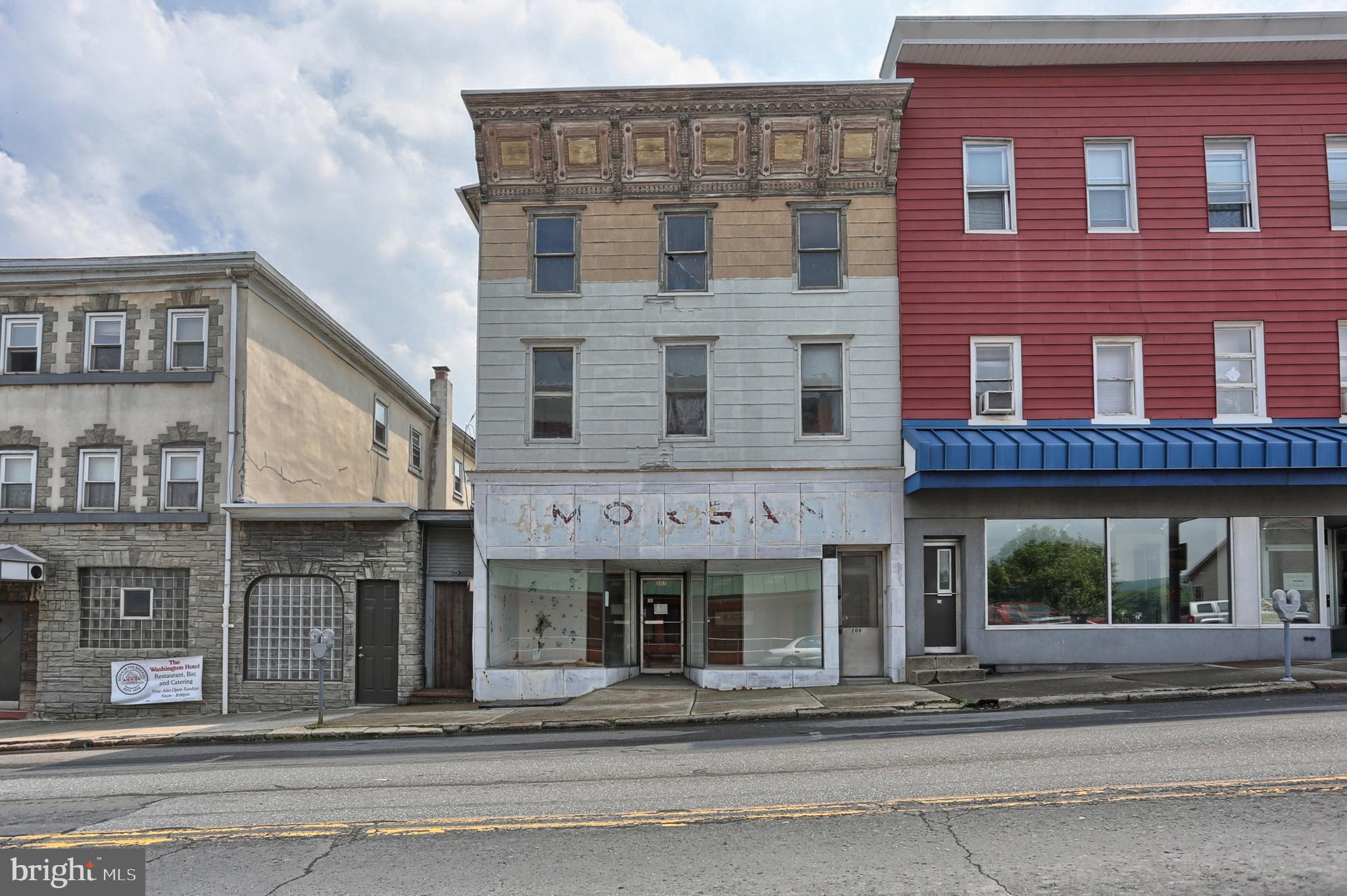 207 SUNBURY STREET, MINERSVILLE, PA 17954