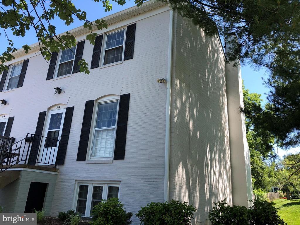 173  LEEDS COURT W, Warrenton in FAUQUIER County, VA 20186 Home for Sale