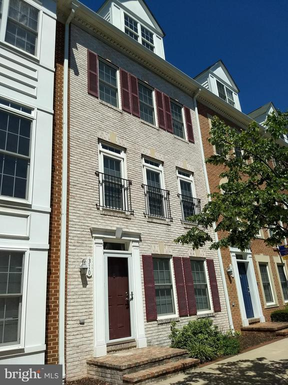 Welcome to 310 Scott Street! This beautiful townhome features: Granite countertops, 9' ceilings,hardwood floors, tile in kitchen, fireplace in family room/den, au pair/inlaw suite 1st floor, deck, garage and many other upgrades in the manicured community of Camden Crossing. The home is ideally located and within walking distance to the University of Maryland Hospital, Medical and Dental Schools, Downtown Baltimore, the MARC train, the Light Rail, public transportation, the stadiums , major highways and approximately 10 miles to BWI.  The home is located within the boundaries to qualify for the University of Maryland Live Where you Work Program which provides an $18,500 financial incentive. **Ask your Lender about this and other Down Payment and Closing Cost Assistance programs that are available to help you purchase this property.**  Make an appointment to see this one today!!!