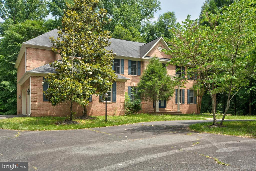 One of Fairfax 5 Bedroom Homes for Sale at 5789  LADUES END COURT