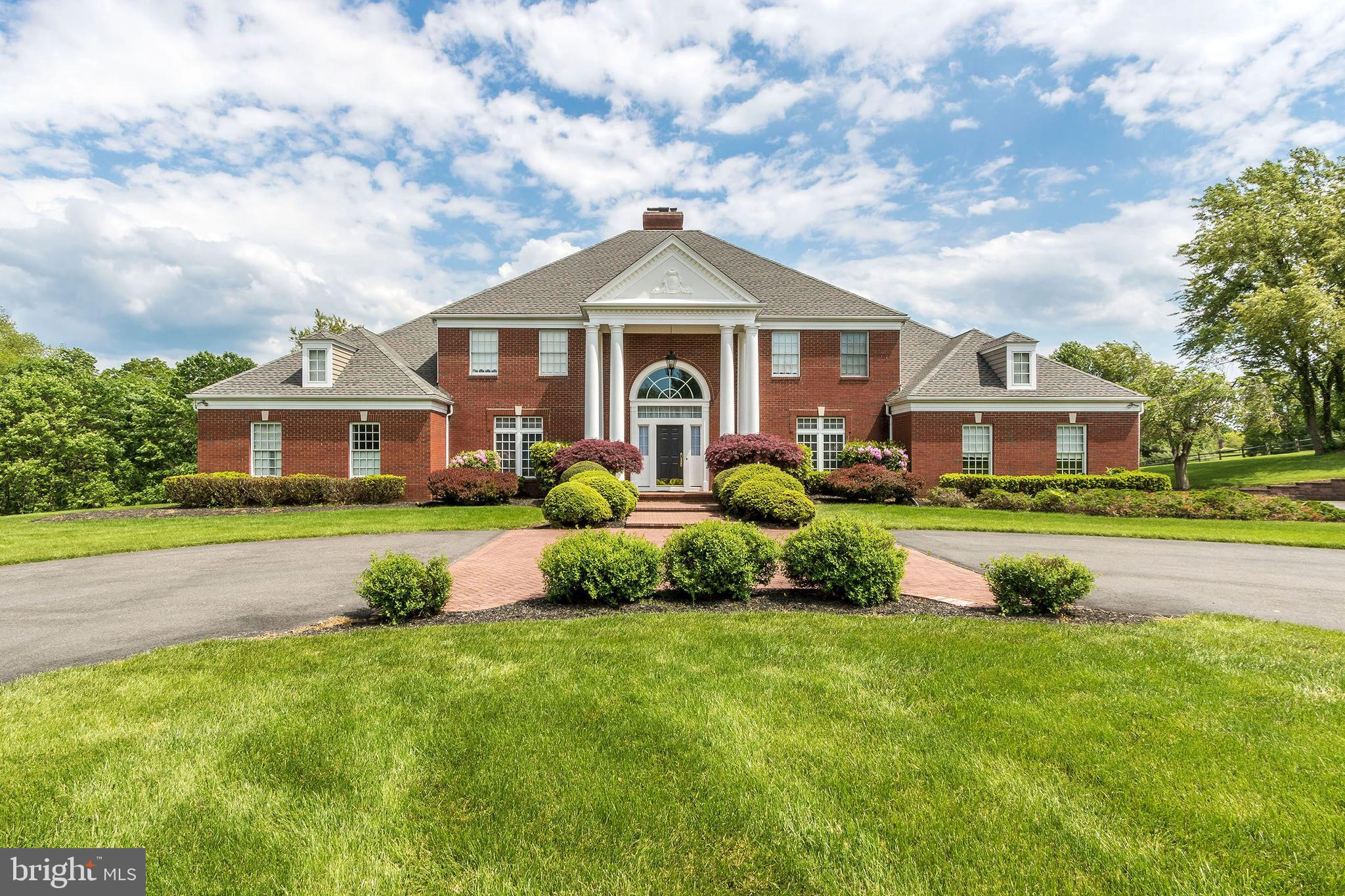 6 CHASE HOLLOW ROAD, HOPEWELL, NJ 08525