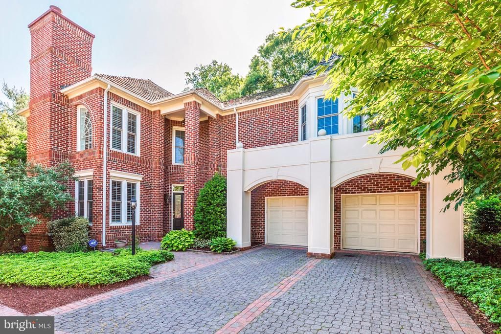 9124 TOWN GATE LANE, BETHESDA, MONTGOMERY Maryland 20817, 4 Bedrooms Bedrooms, ,4 BathroomsBathrooms,Residential,For Sale,TOWN GATE,MDMC662812