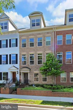 Property for sale at 416 N George Mason Dr, Arlington,  Virginia 22203