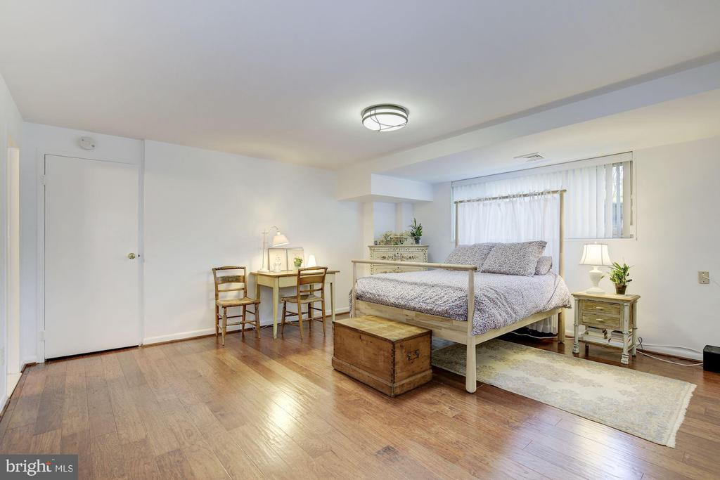 5100 Dorset Ave #100, Chevy Chase, MD 20815