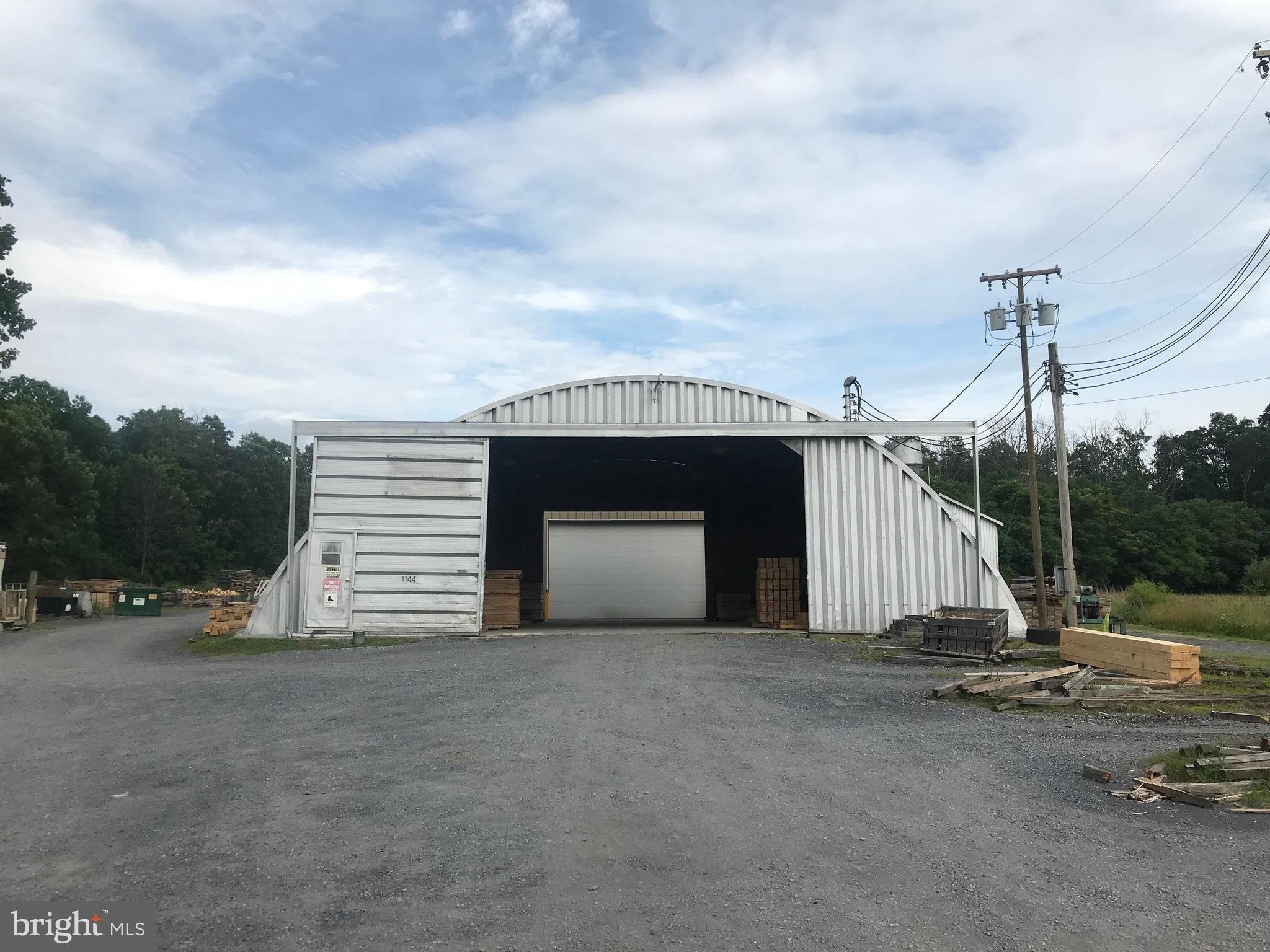 1144 BOX FACTORY ROAD, SUMMIT POINT, WV 25446