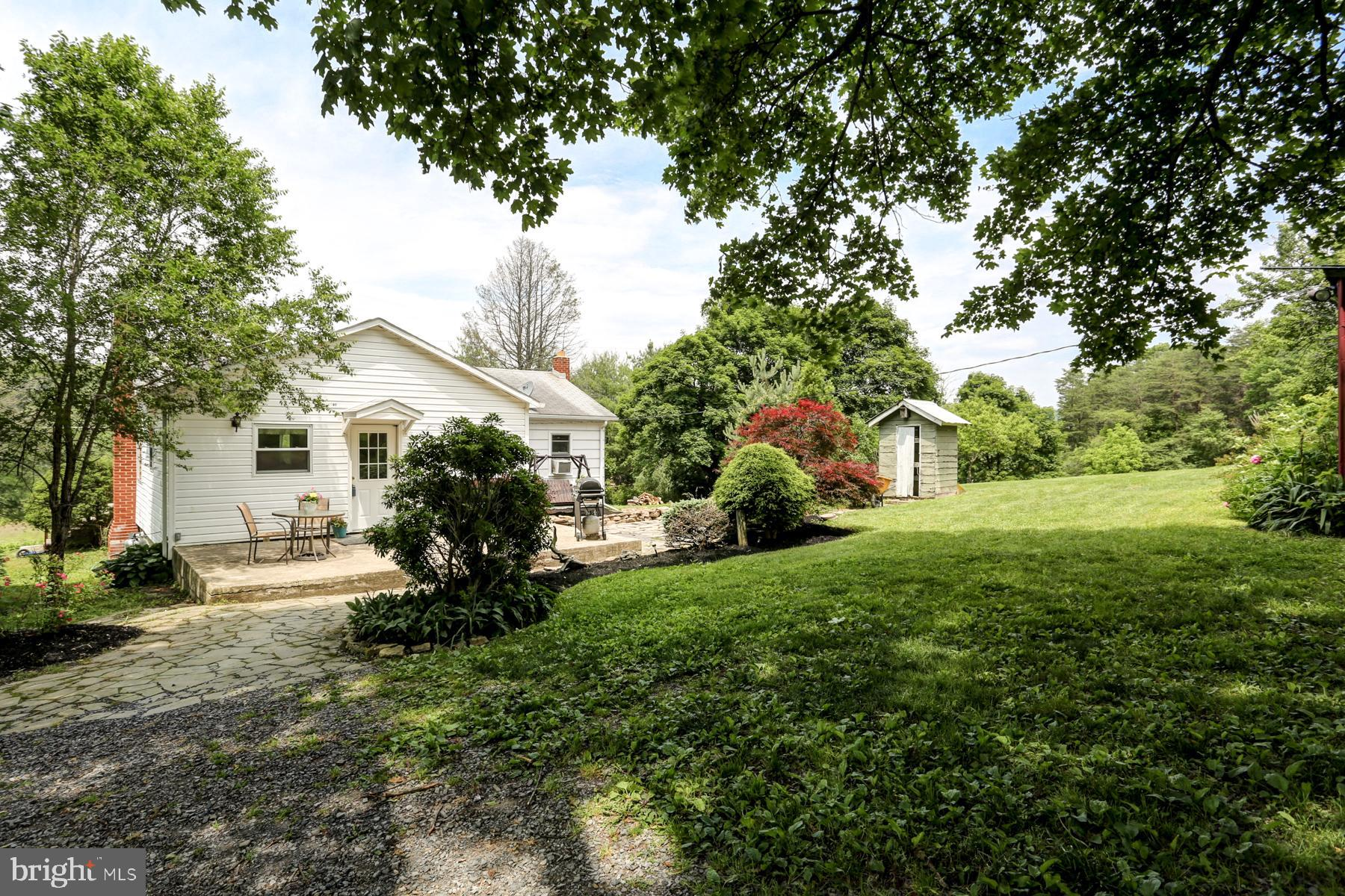 987 PARADISE ROAD, NEW BLOOMFIELD, PA 17068