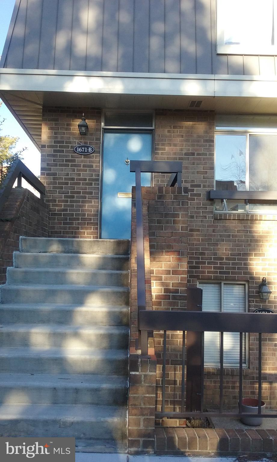 1671 S HAYES STREET B, ARLINGTON, VA 22202