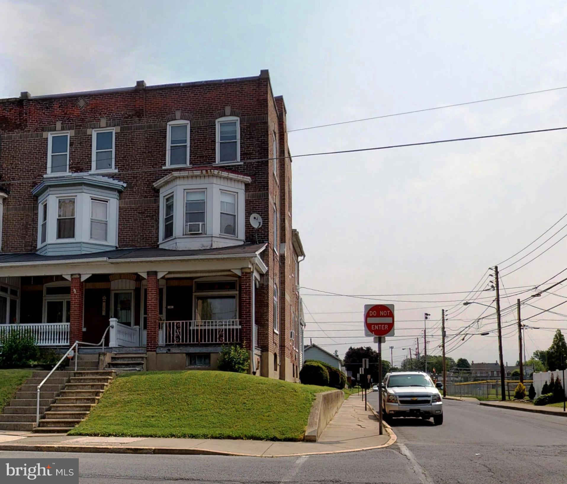 1801 LINCOLN AVENUE, NORTHAMPTON, PA 18067