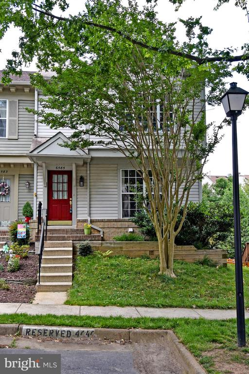 6585 Cypress Point Rd, Alexandria, VA 22312
