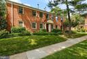 2513 Arlington Blvd #33 (apartment #201)