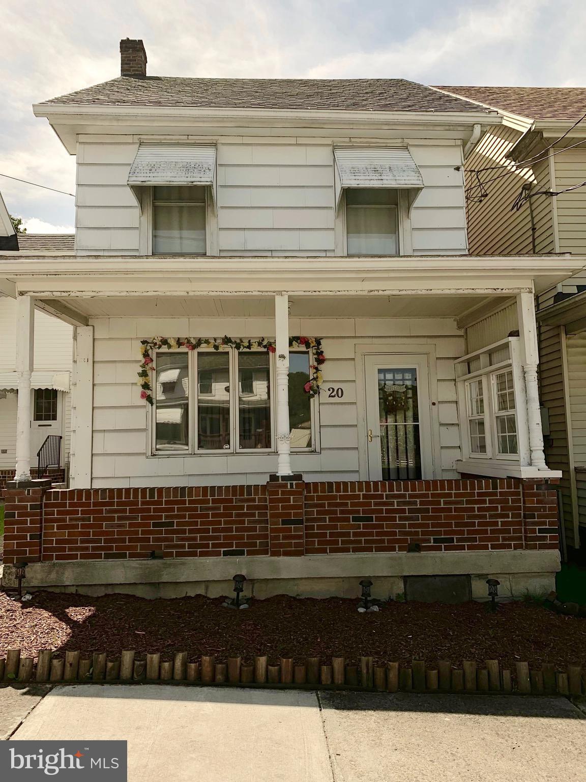 20 W PHILLIPS STREET, COALDALE, PA 18218