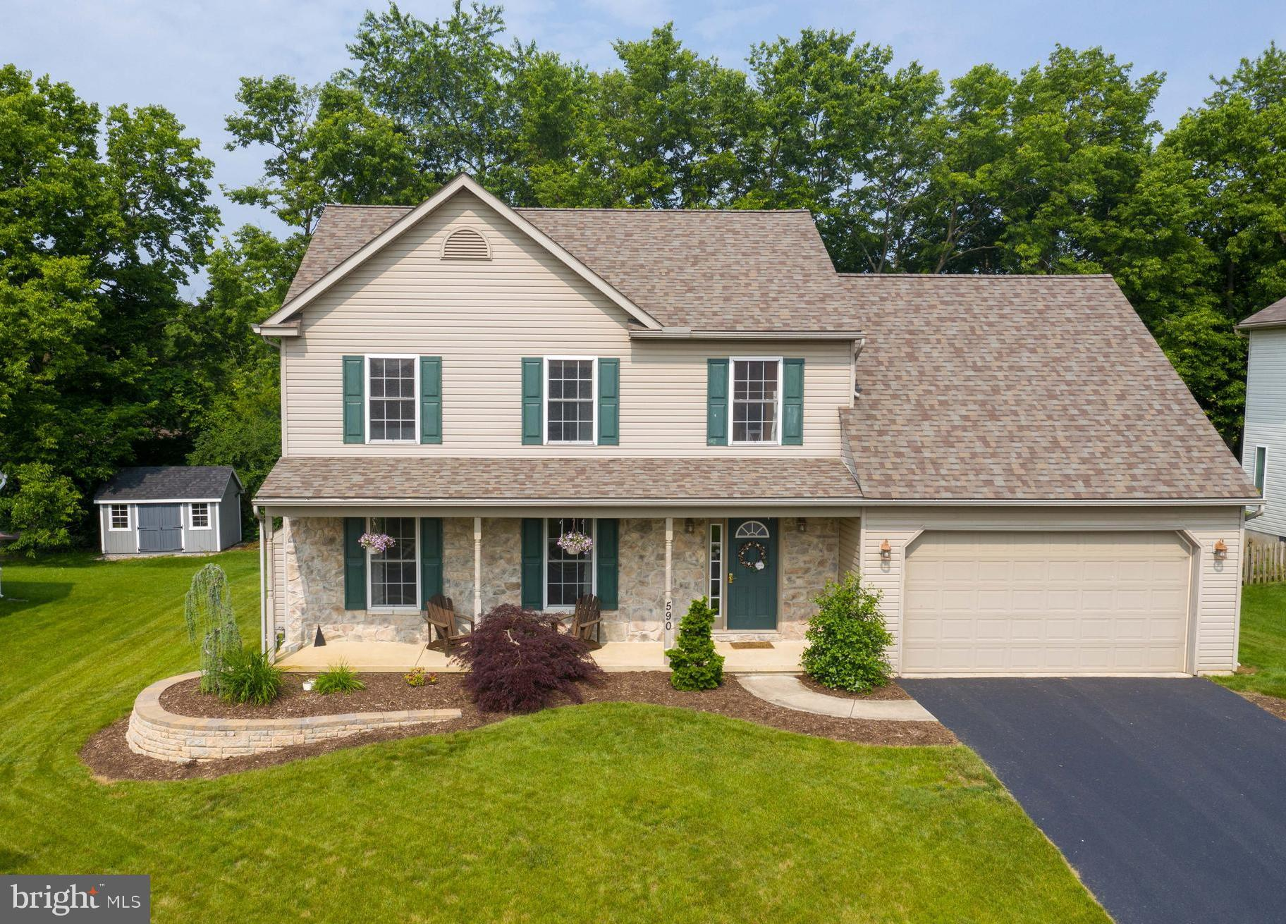 590 APPLE TREE LANE, MOUNT WOLF, PA 17347