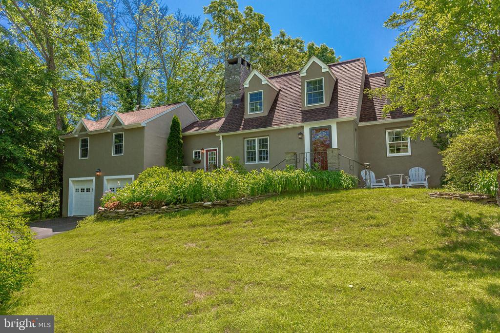 6822 POINT PLEASANT PIKE, NEW HOPE, PA 18938