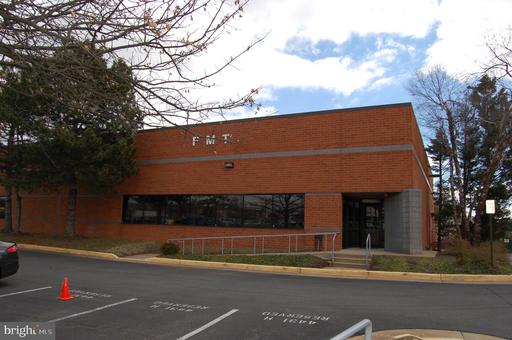 Property for sale at 4431 Brookfield Corporate Dr #H, Chantilly,  Virginia 20151