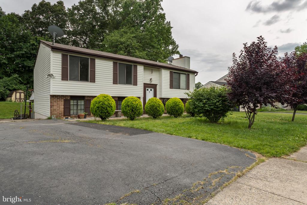 One of West Springfield 4 Bedroom Homes for Sale at 5802  HEMING AVENUE