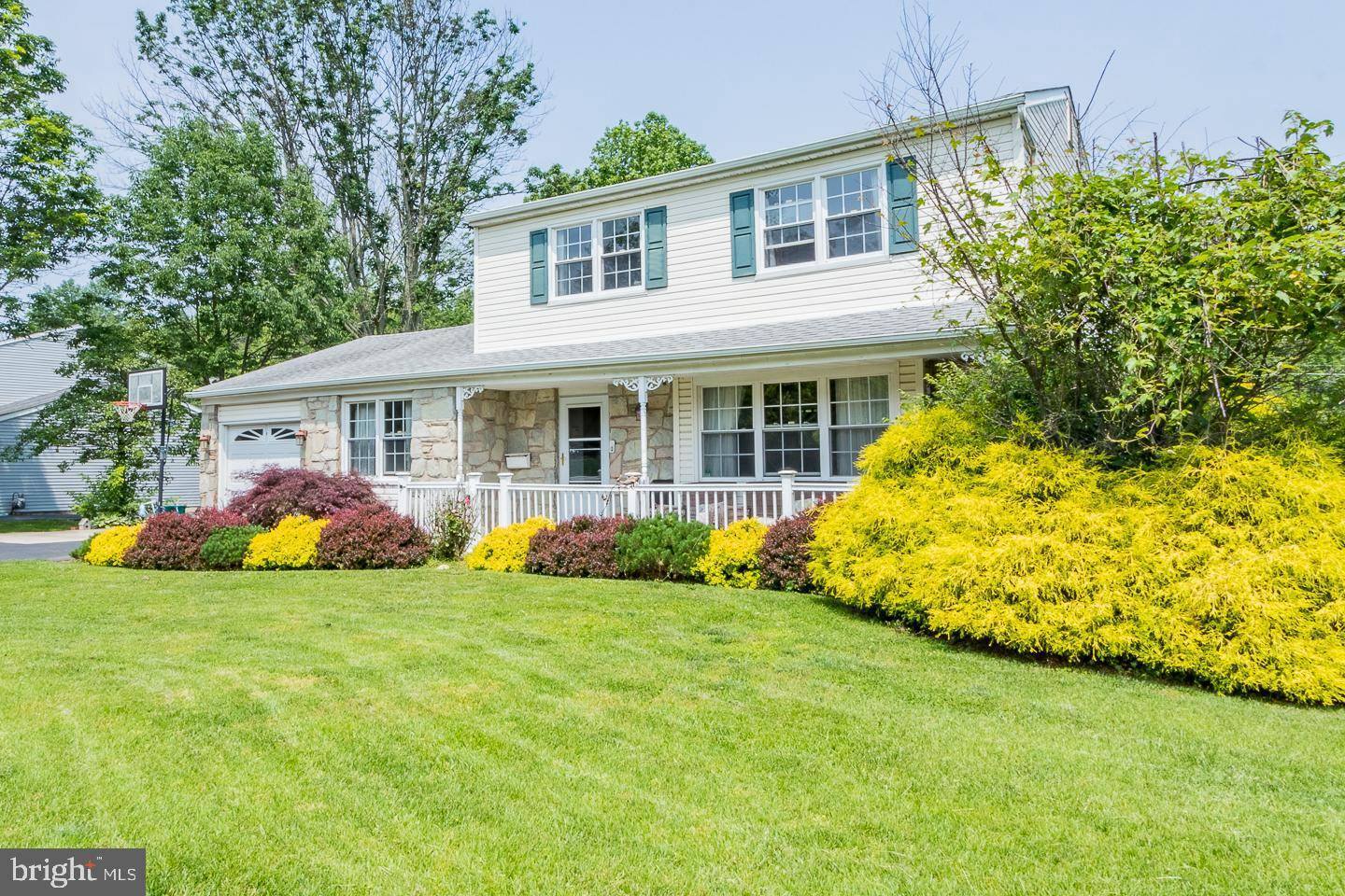 631 S OLDS BOULEVARD, FAIRLESS HILLS, PA 19030